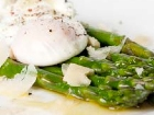 Asparagus with Poached Eggs and Parmesan Shavings