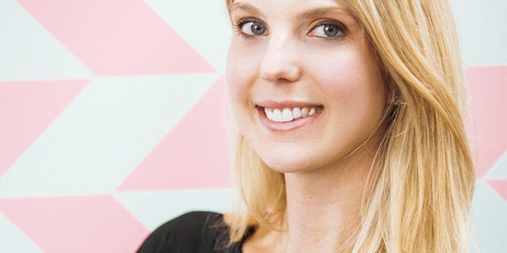 Lindsay Holas